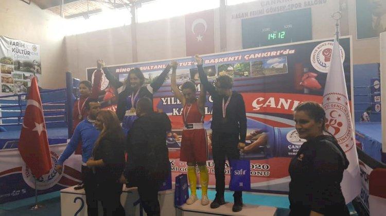 Nizip'in Boks'ta Türkiye Başarısı