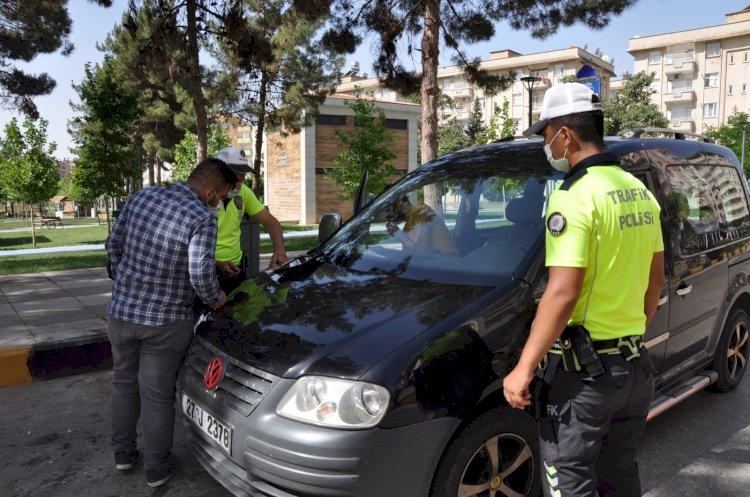Nizip polisinden trafik ve maske uygulaması