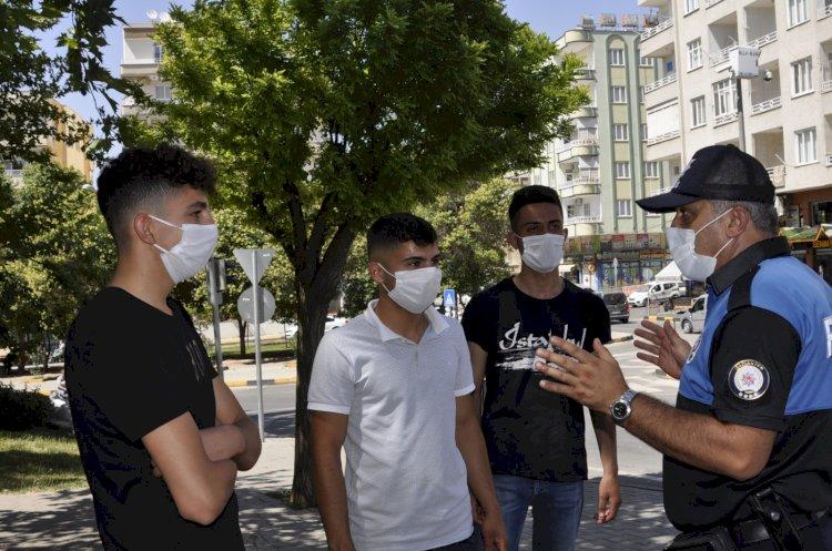Toplum Polisleri vatandaşları Maske - Sosyal mesafe konularında bilgilendirdi