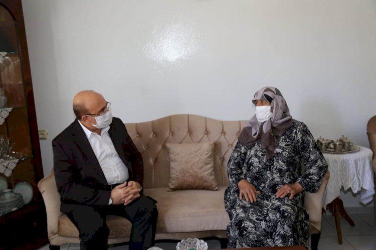 Belediye Başkanı Sarı, Şehit Ailelerini Unutmadı