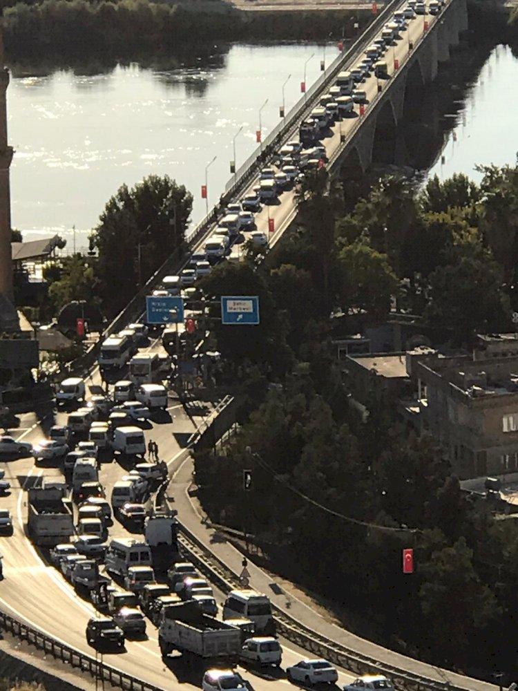 Birecik Köprüsü'nde Zincirleme Kaza: 5 Yaralı