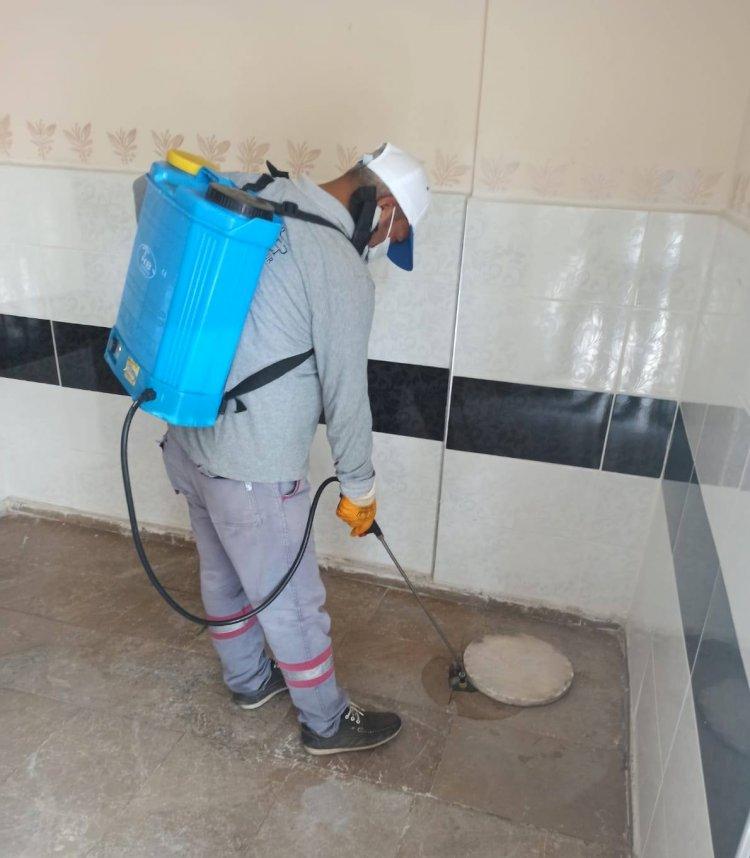Belediye ekipleri dezenfekte çalışmalarını sürdürüyor