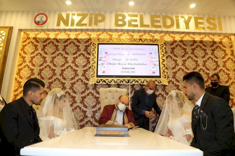 Başkan Sarı, ikizlerin nikahını kıyarak mutluluklar diledi