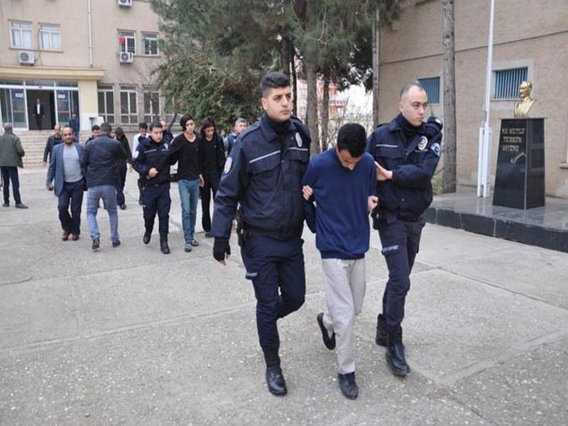 GASPÇILAR POLİSTEN KAÇAMADI