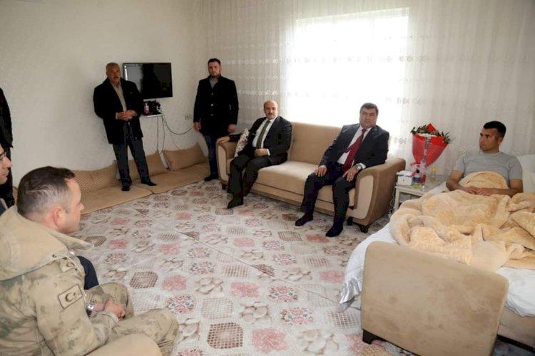 Kaymakam Şahin ve Belediye Başkanı Sarı'dan Gaziye ziyaret