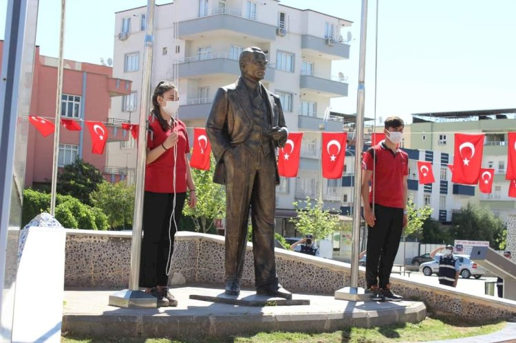 Nizip'te 23 Nisan Coşkuyla Kutlandı
