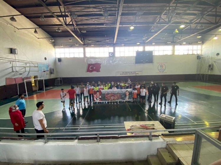 U-14 Erkekler Salon Hokey müsabakaları yapıldı