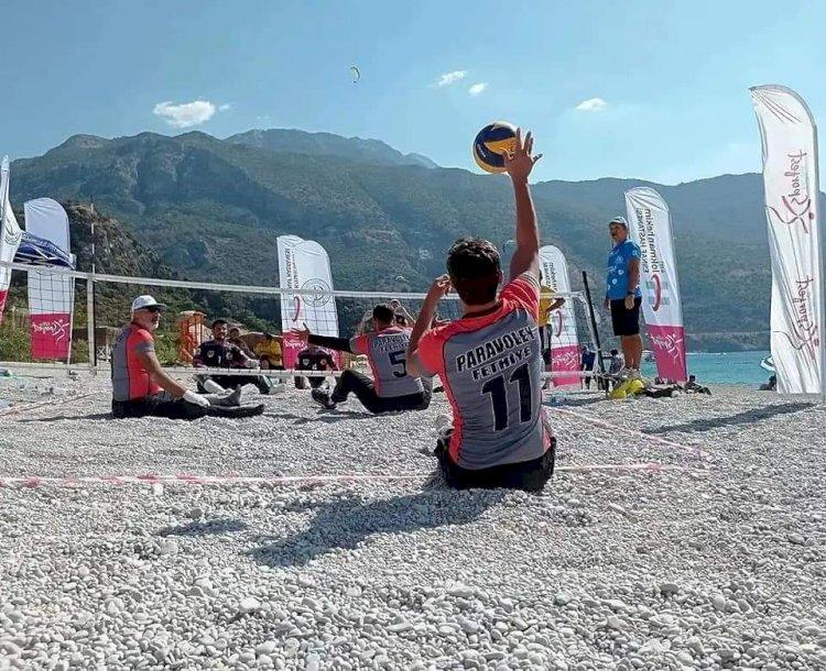 Nizip Parabeach Volley'de İkinci Oldu
