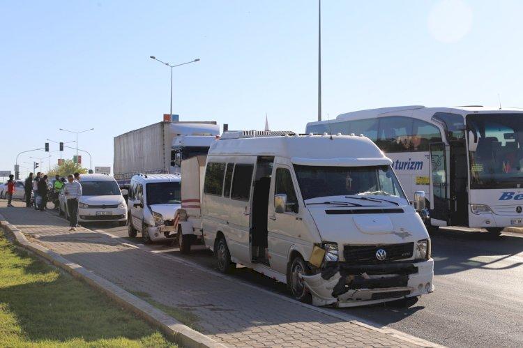 Nizip'te zincirleme trafik kazası
